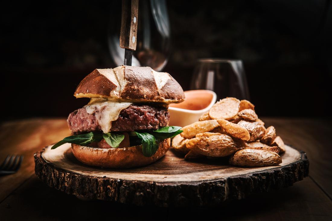 maddock restaurante de moda en madrid hamburguesa los buhos gastronomia fotografia de producto